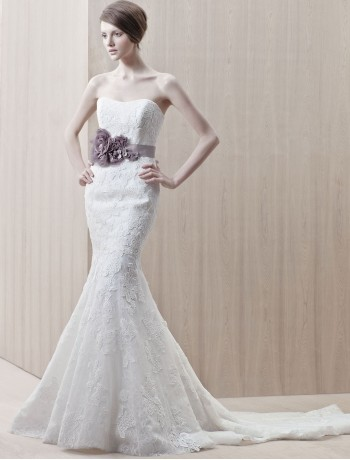 lace-sweetheart-strapless-neckline-mermaid-wedding-dress-with-chapel-train